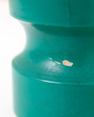 Vintage groene tafellamp met witte glazen bol