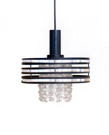 Vintage hanglamp met kap van facetglas en zwarte kunststof ringen