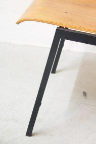 Vintage-pagholz-stoelen-houten-schoolstoelen-2