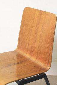 Vintage-pagholz-stoelen-houten-schoolstoelen-9