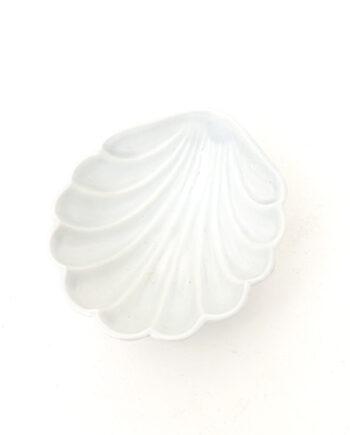 Vintage schelp schaaltje van wit keramiek Chodziez Polen