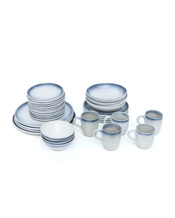 Vintage servies blauw/wit gemêleerd 33-delig