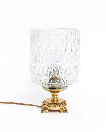 Vintage tafellamp met glazen kap en bewerkt messing voetje