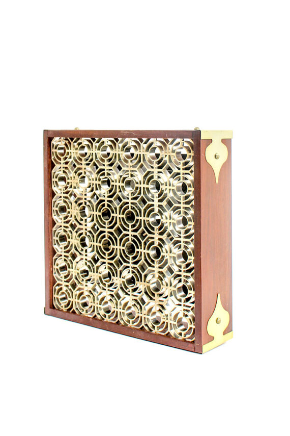 Vintage vierkante houten plafonnière met rooster in Art Deco stijl en goudkleurige details