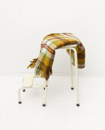 Vintage wollen deken met geruit patroon en franjes jaren 70