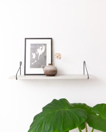 Wandplank betonlook met vintage draadstalen dragers