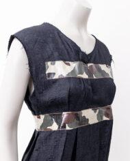 Zwarte jurk Comme des Garçons 2000 met camouflageprint en plastic bies