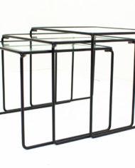 Zwarte-mimiset-bijzettafels-glas-en-draadstaal-vintage-2