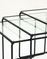 Zwarte-mimiset-bijzettafels-glas-en-draadstaal-vintage-3
