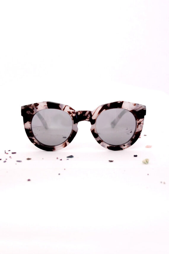 aubergine acetate zonnebril