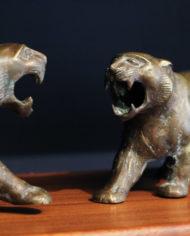 bronze-tijger-beelden-vechtende-vintage-1