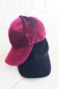 cherry-pink-burgundy-zwart-velvet-pet