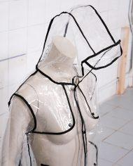 doorzichtige-transparante-regenjas-biezen-4