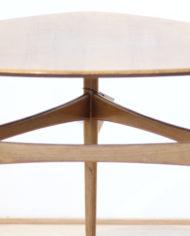 driehoekige-vintage-bijzettafel-ronde-vormen-3