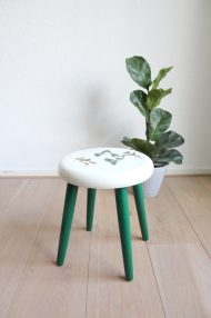 groen-wit-plantentafeltje-botanisch-schildering-japans-krukje-driepoot-5