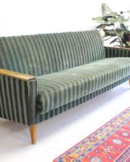 groene-vintage-sofa-bank-slaapbank-strepen-jaren 60-5