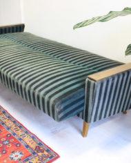 groene-vintage-sofa-bank-slaapbank-strepen-jaren 60-9