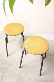 industriele-vintage-schoolkrukjes-hout-metaal-jaren-80-2