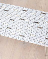 jaren-50-vintage-bijzettafeltje-tegeltjes-mozaik-lichtblauw-pastel-metalen-pootjes-3