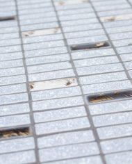 jaren-50-vintage-bijzettafeltje-tegeltjes-mozaik-lichtblauw-pastel-metalen-pootjes-5