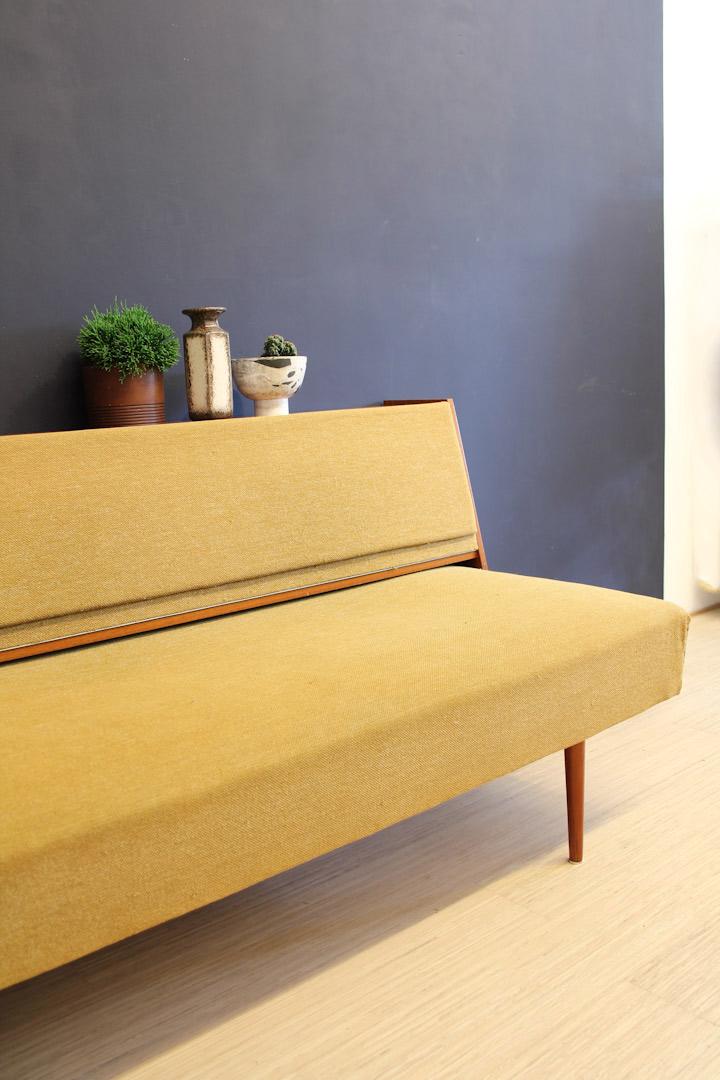 Favoriete Jaren 60 vintage okergele bank / slaapbank / meubel - Froufrou's #VF08