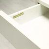 Vintage witte kaptafel van het Duitse Interlübke in minimalistische stijl. Rechthoekig en strak op witte metalen poten. Met opklapbare spiegel en uitschuifbare lade. Ook te gebruiken als laag dressoir, bijzettafel of tv-meubeltje.