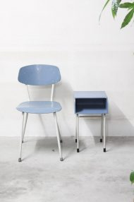 lichtblauwe-vintage-stoeltjes-2