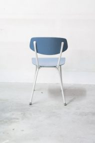 lichtblauwe-vintage-stoeltjes-7
