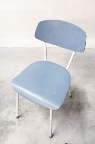 lichtblauwe-vintage-stoeltjes-8