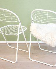 opklapbare-vintage-metalen-draadstoelen-grid-raster-stoelen-5
