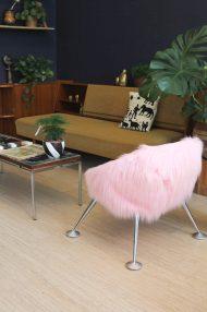 roze-furry-stoel-vintage-design-kuipstoel-eggchair-5