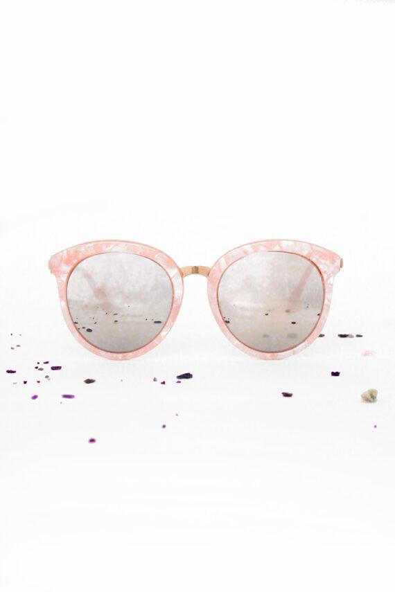 Roze marble zonnebril