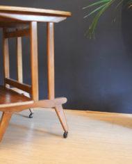 verrijdbaar-vintage-audio- meubel-met-sierlijke- pootjes-8