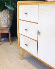 vintage-Deens-design-licht-eiken-houten-kastje-sierlijke-poten-4