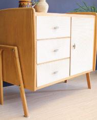 vintage-Deens-design-licht-eiken-houten-kastje-sierlijke-poten-6