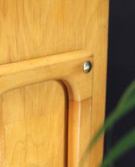 vintage-Deens-design-licht-eiken-houten-kastje-sierlijke-poten-8