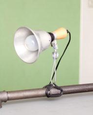 vintage-aluminium-klemlamp-cliplamp-hout-2