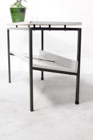 vintage-bijzettafeltje-lectuurbak-metalen-frame-dutch-design-3