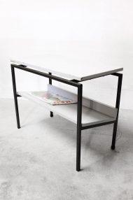 vintage-bijzettafeltje-lectuurbak-metalen-frame-dutch-design-4