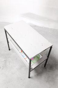 vintage-bijzettafeltje-lectuurbak-metalen-frame-dutch-design-6