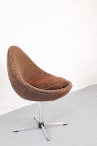 vintage-bruine-ribstof-ei-stoel-egg-chair-jaren-70-5