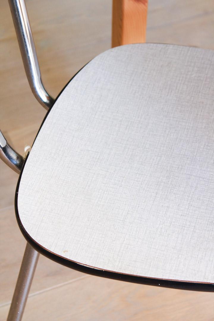 Wit grijze vintage formica stoelen Froufrou's