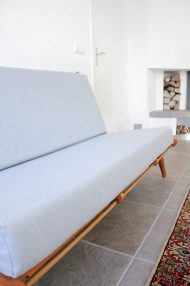vintage-jaren-60-bank-sofa-pastelblauw-6