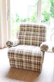 vintage-jaren-70-elementen-bank-bruin-wol-gemeleerd-fauteuils-13