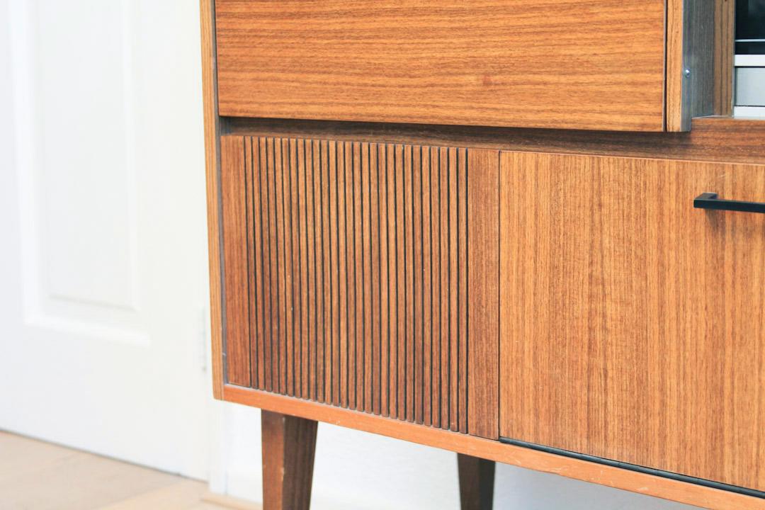 Vintage sideboard kast froufrous