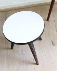 vintage-plantentafeltje-rond-wit-driepoot-4