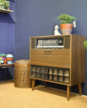 Vintage radiokast Grundig