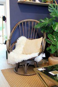 vintage-rotan-draaistoel-eggchair-eistoel-bruin-5