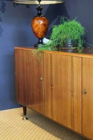 vintage-teak-dressoir-metalen-pootjes-1