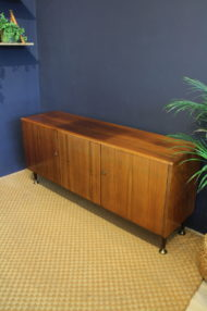 vintage-teak-dressoir-metalen-pootjes-4
